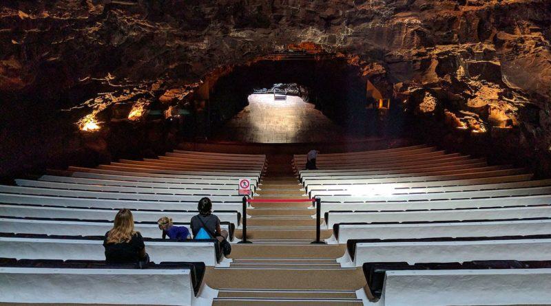 Auditorium in Jameos del Agua - cosa fare a Lanzarote di sera - isole Canarie