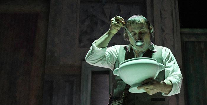 Arlecchino servitore di due padroni: torna Goldoni nello storico Teatro dei Rinnovati a Siena